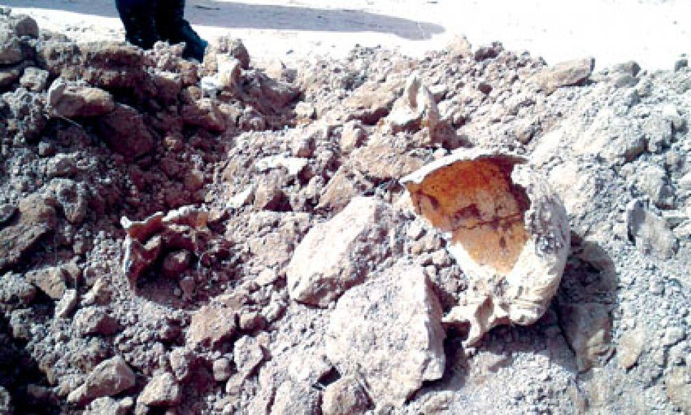El hallazgo de restos óseos a escasa profundidad en Metán, se produjo por el paso de máquinas retroexcavadoras.