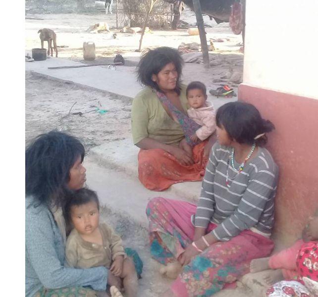 Familiares de la mujer muerta por falta de atención médica (Gentileza Brian Salazar)