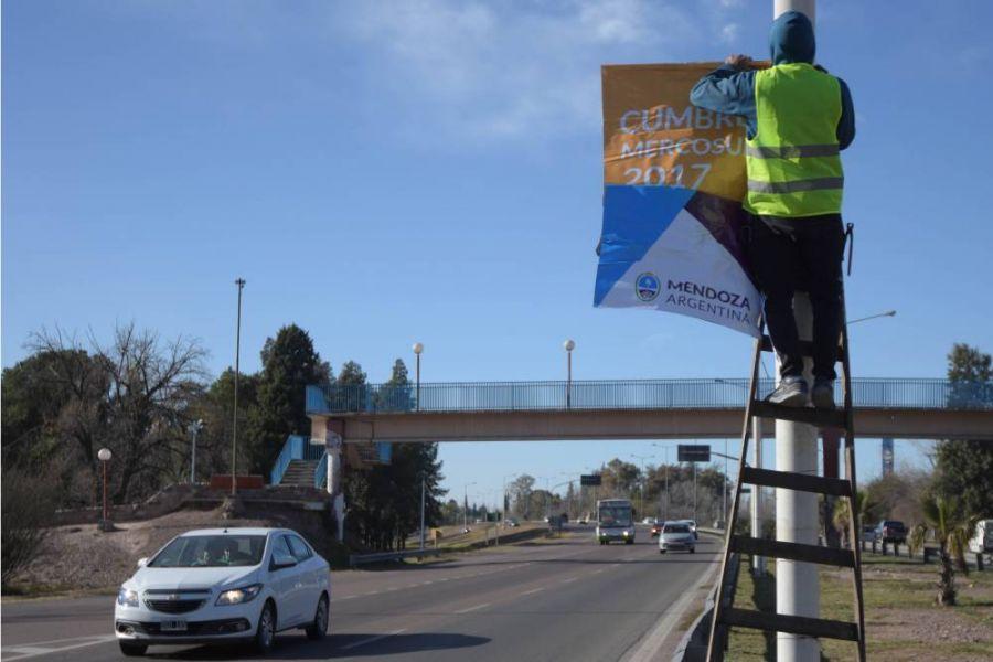 Los carteles que anuncian la Cumbre de Mercosur en Mendoza