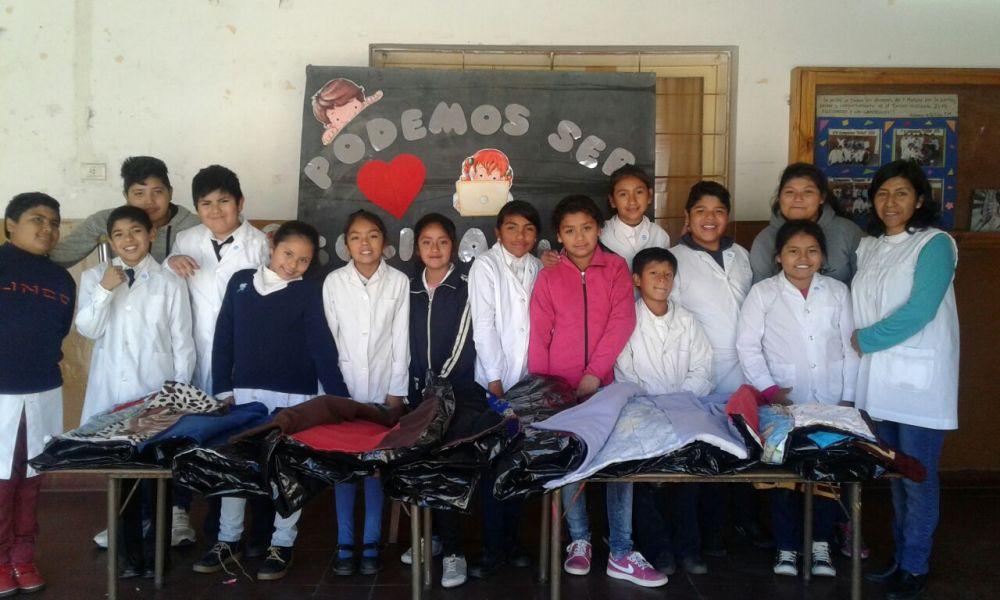 Los escolares viajarán a San Antonio de los Cobres a entregar la donación de bolsas de dormir para peregrinos.
