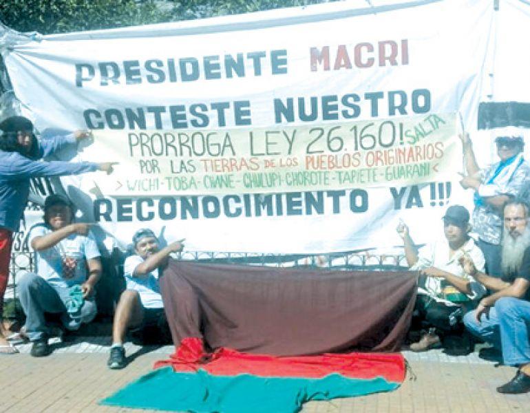 Originarios del norte salteño se volcaron a las redes sociales con una campaña para pedir la prórroga de la ley antidesalojos.