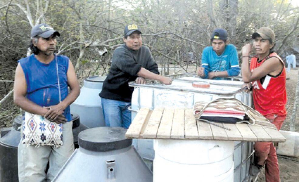 Miembros de comunidades de los parajes Pozo Fuerte, El Chorrito, San José y Arenales de General Ballivián piden agua.