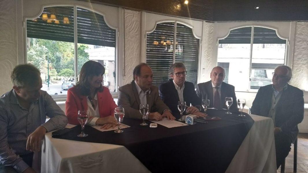 En el Hotel Salta se reunieron por primera vez los integrantes de la Comisión de Turismo Ad Hoc de Salta.