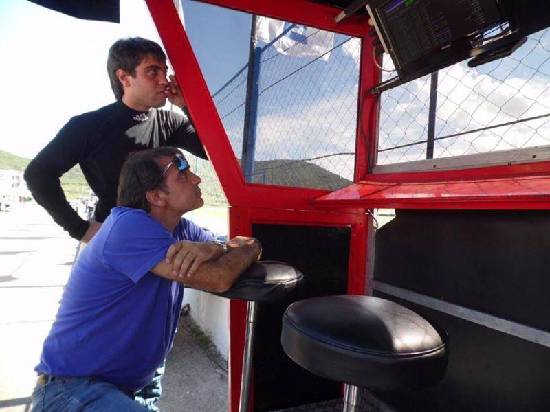 Lucas Petracchini junto a su padre. El fin de semana vuelve a competeir en el automovilismo nacional.