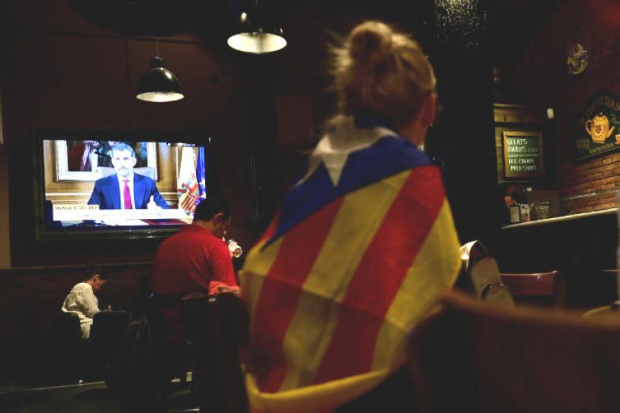 El rey Felipe VI de España calificó como ilegal y contrario a la democracia el referéndum independentista del domingo pasado en Cataluña.