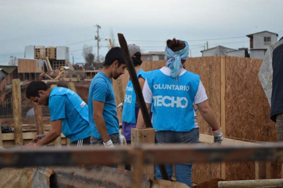 En noviembre Techo construirá 12 viviendas de emergencia en el barrio Juan Manuel de Rosas y en Atocha.