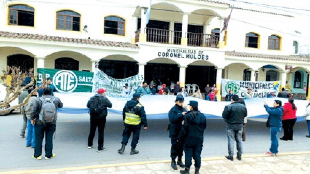 """Reuniones para frenar medidas de fuerza. Cuenca dijo: """"Hay que modificar algunas leyes, la ley 1349 de Municipios es un desastre""""."""
