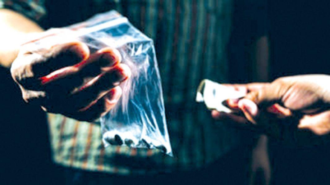 En  un remis y con apoyo de otras personas se comercializaba la droga a distintos puntos de la ciudad.