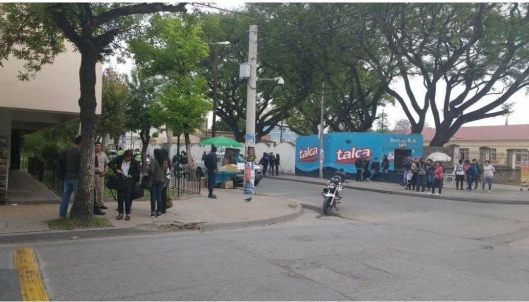 Escuela Técnica 2, Buenos Aires, esquina Tucumán. Foto Andrea Lazarte