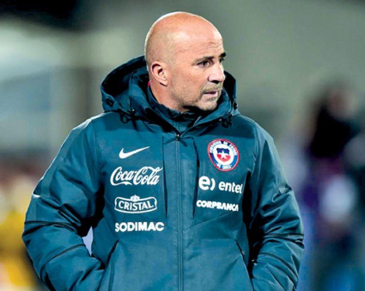 Jorge Sampaoli cuando dirigía la selección chilena.
