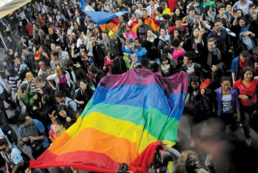 Marchas, jornadas de sensibilización y muestras y conferencias sobre el colectivo LGBTIQ en Salta.