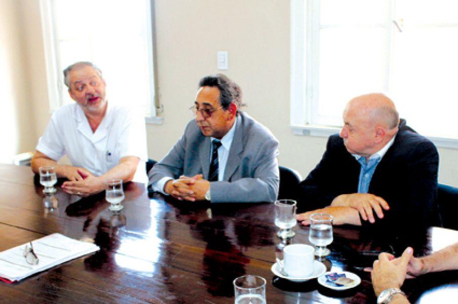 Médicos se reunieron con el presidente de la Comisión de Salud del Senado.