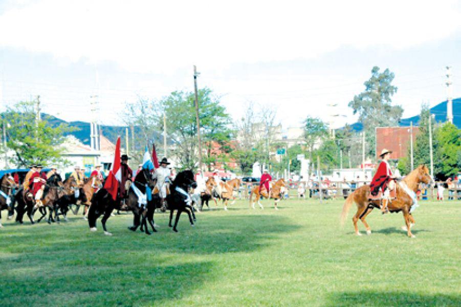 El viernes comienza el ingreso y admisión de los caballos peruanos, la competencia es el sábado y domingo en la Sociedad Rural.