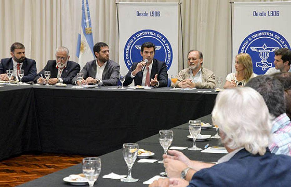 Urtubey junto a la multisectorial empresaria informa sobre temas relacionados al proyecto del pacto fiscal.
