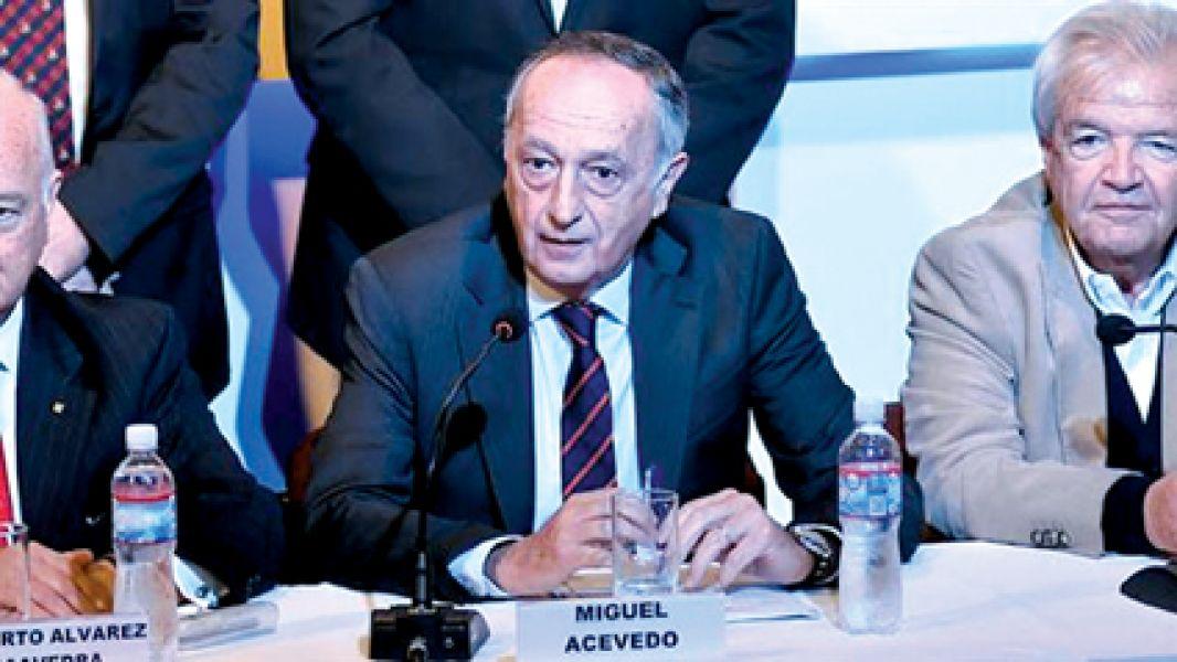 Miguel Acevedo, Presidente de la UIA.