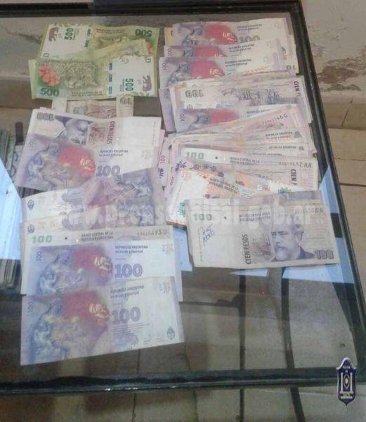 Además de la droga encontrada se secuestró dinero en efectivo.