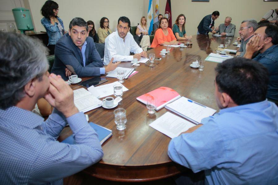 Federico Hanne, titular de la AMT brindó un informe en la Legislatura sobre los aumentos en el boleto de SAETA.