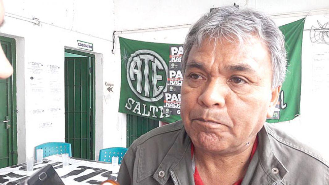 """""""La última herramienta que está quedando a los trabajadores es estar en la calle"""", dijo Juan Arroyo, secretario general de ATE."""