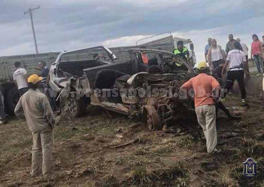 El femicida de su esposa en J.V. González finalmente murió días después que su camioneta impactara con un camión.