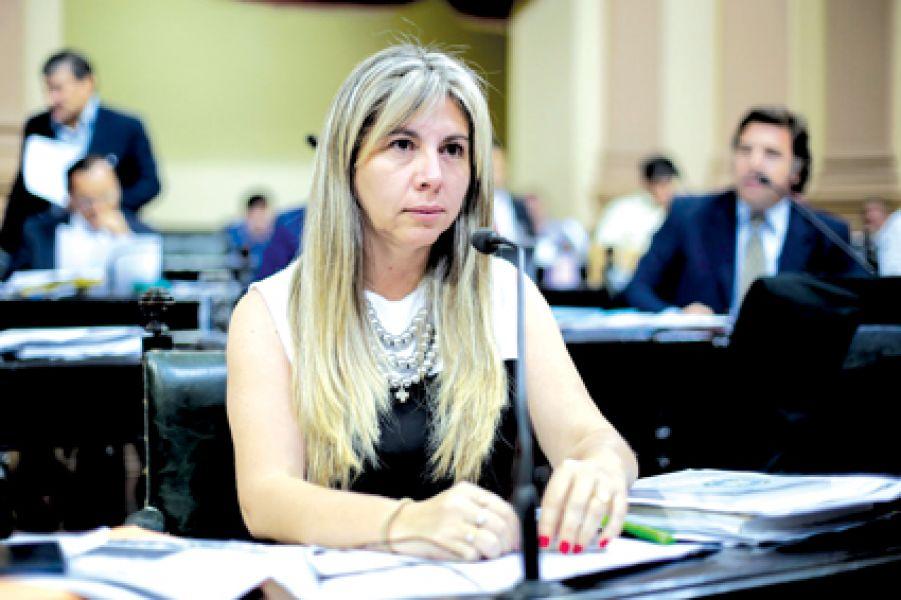 """La diputada Alejandra Navarro, dijo """"debemos trabajar para que todos se sientan incluidos""""."""