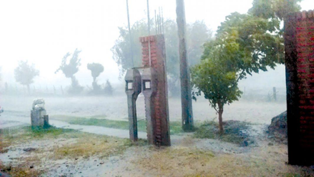Las lluvias y la falta de cuidado provocaron que se taparan canales y alcantarillas