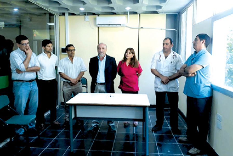 El ministro Masca-rello en la asunción de la nueva gerente del Hospital San Vicente de Paul.
