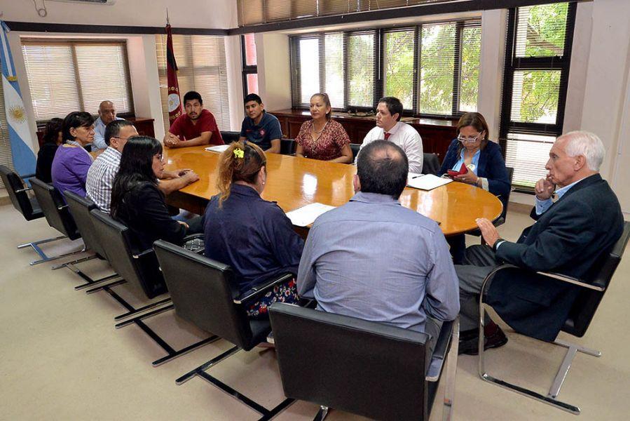Los familiares le presentaron al ministro López Arias un panorama general de sus causas.