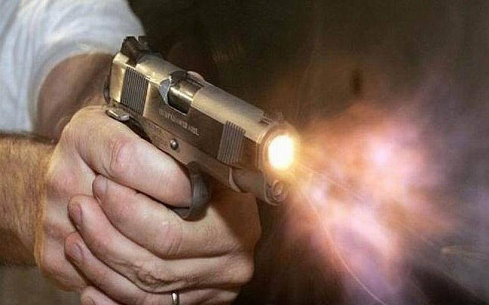El autor de los disparos desde un auto blanco en barrio Alta Tensión, esta detenido.