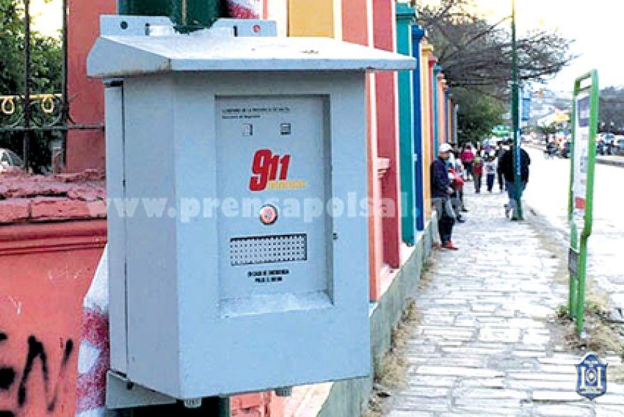 En Salta Capital hay instalados 135 dispositivos de Alarms Box como el de la foto, para alertar al 911 por delitos.