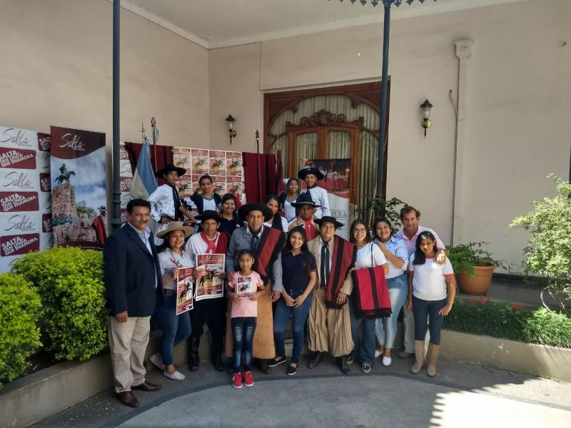 Los organizadores y protagonistas del festival del Gauchito Gil.