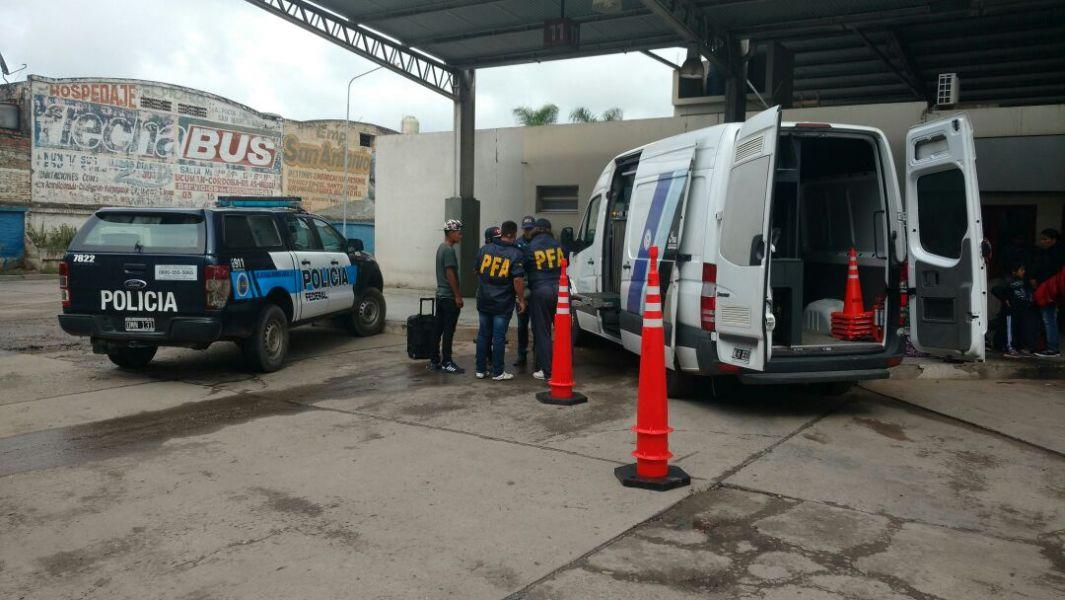 A través de un scanner móvil, se detecta el tráfico de estupefacientes en terminales de ómnibus, estaciones de trenes y rutas del país.