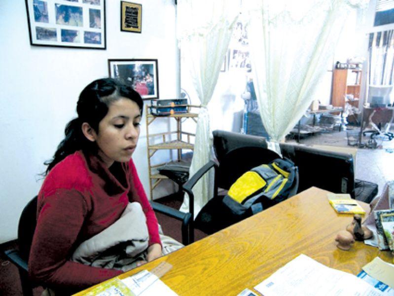 El acoso laboral de parte del Gobierno a la agente Yanina Gay no para. Denunció irregularidades y continua siendo castigada.