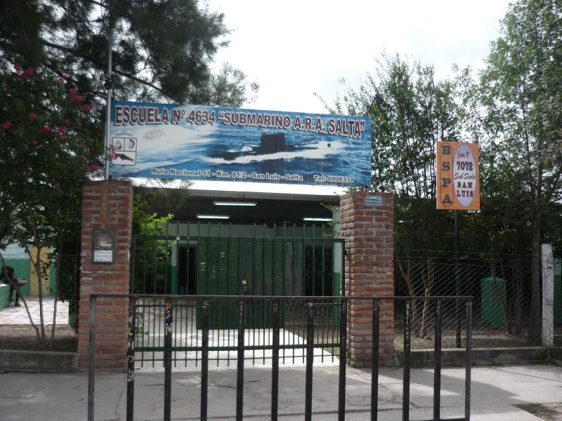 La escuela Submarino Ara de Salta de la delegación de San Luis donde ayer un grupo de 13 chicos se descompuso tras el almuerzo.