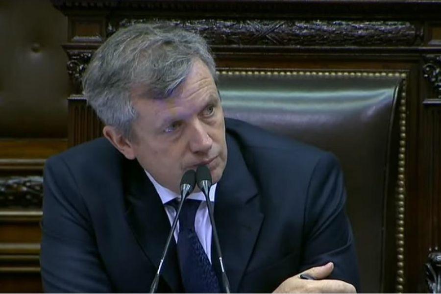 El presidente de la Cámara de Diputados, Emilio Monzó (PRO), puso fin al mecanismo de canje de pasajes por dinero en efectivo.