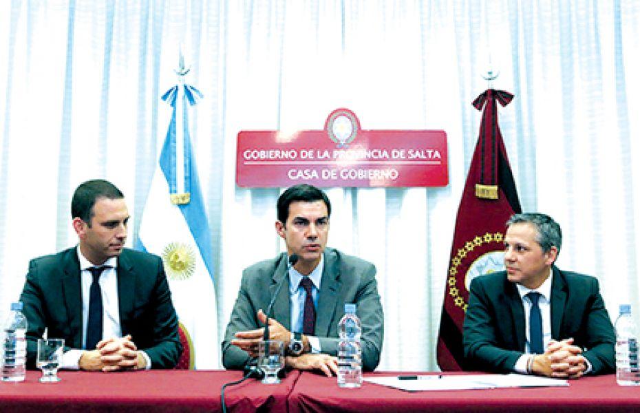 Diego Bekerman (Microsoft Argentina),  Juan Manuel Urtubey y el ministro Carlos Abeleira.