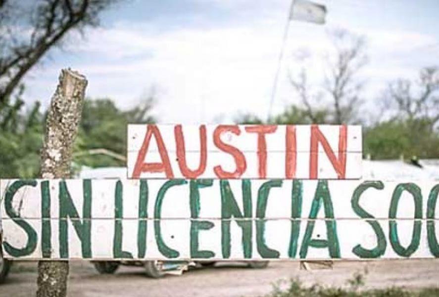 La protesta de los vecinos de El Galpón se mantiene en el acceso a la planta de Nitratos Austin.