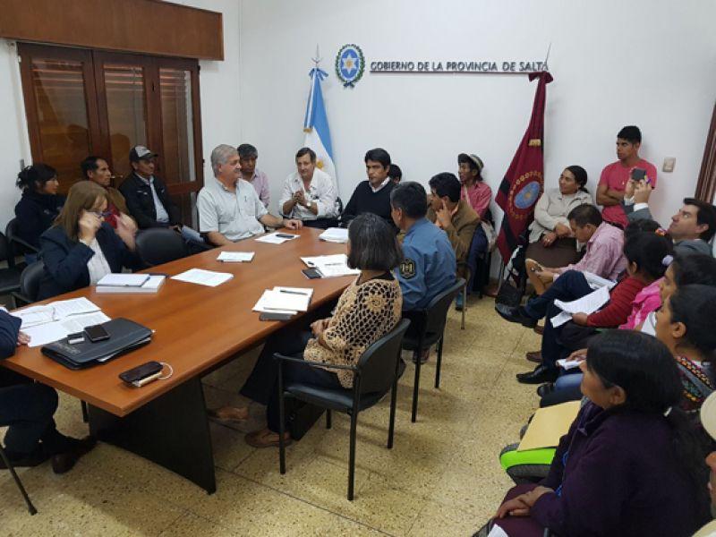 La reunión de representantes de comunidades kollas con funcionarios de distintas áreas en Casa de Gobierno.