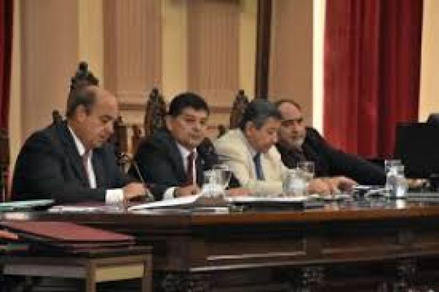 La sesión fue presidida por Jorge Soto, vicepresidente segundo del Senado.