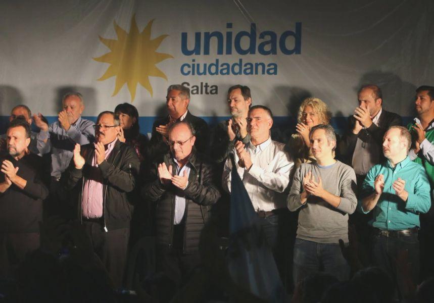 Dirigentes nacionales y locales de Unidad Ciudadana relanzaron un frente nacional y popular en un colmado club Libertad.