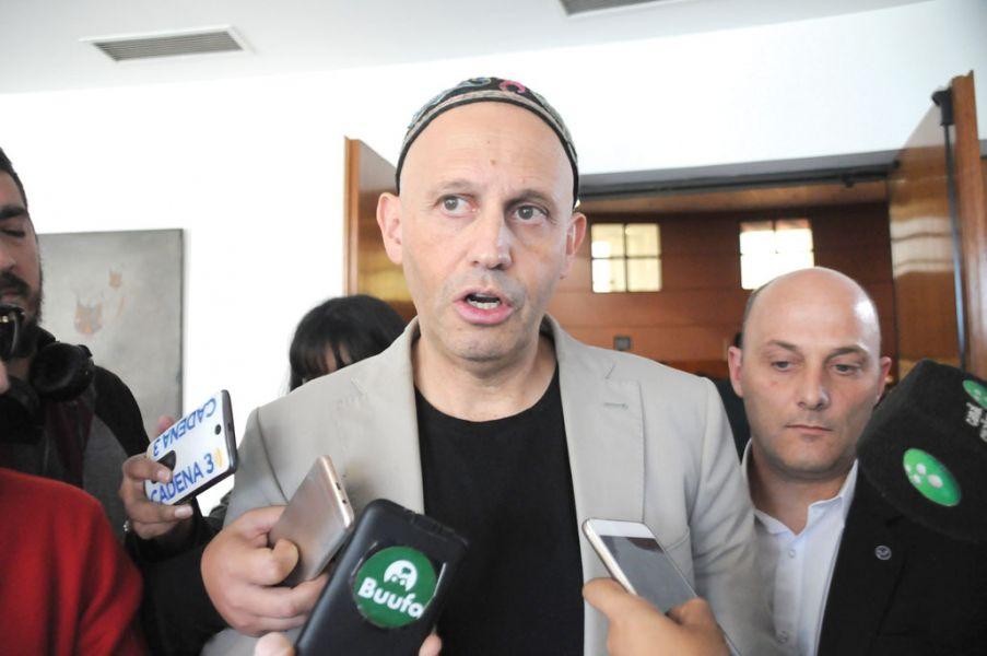 """Es bueno decir la verdad y evitar llegar a un punto de judicialización"""", dijo el ministro Sergio Bergman ayer en el Grand Bourg."""