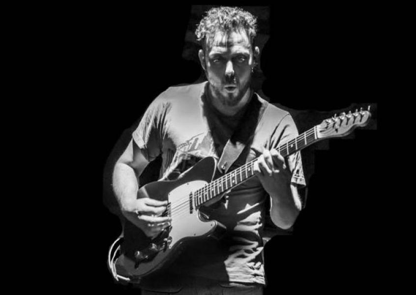 El guitarrista Juan Pablo Arredondo mostrará toda su versatilidad para el jazz el sábado 19 en un recital en el Café del Tiempo.