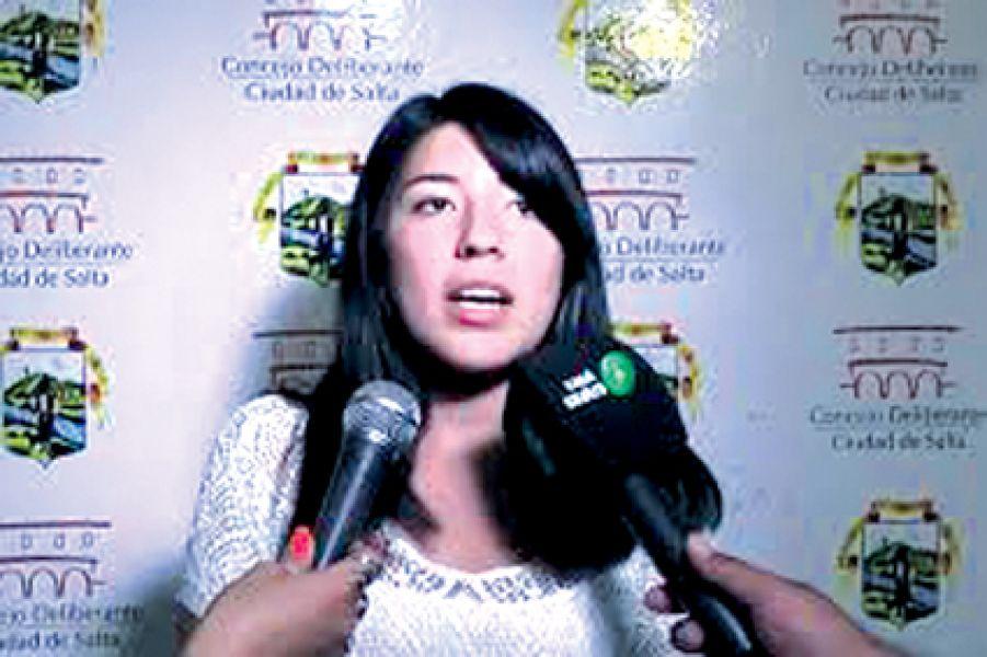 Concejal Lihue Figueroa (bloque Frente Ciudadano) ve con preocupación el aumento de las tarifas de los servicios públicos.