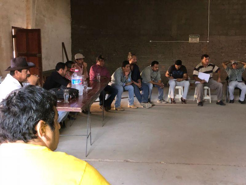 Reunión en Santa Victoria sobre cómo serán distribuidas las tierras entre comunidades originarias y familias criollas en el Chaco salteño.