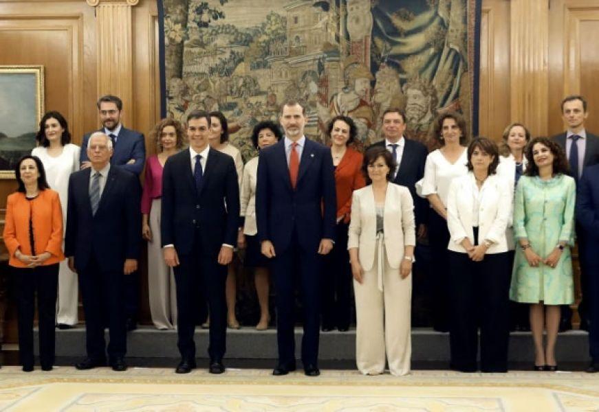 El plantel ejecutivo de Pedro Sánchez incluye a 11 mujeres y seis hombres, entre ellos un astronauta, Pedro Duque a cargo de Ciencia.