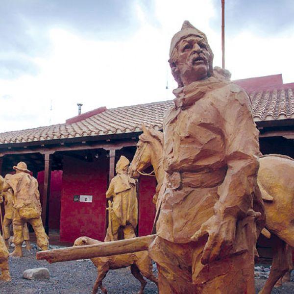 """El Museo de Güemes programó en el marco del calendario por el héroes gaucho, las denominadas """"Visitas Guiadas Pedestres""""."""