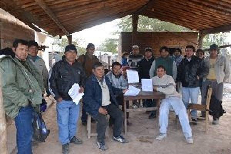 Integrantes de las comunidades wichi de Rivadavia Banda Sur. Tres caciques van a juicio por defender su territorio sin garantías procesales.