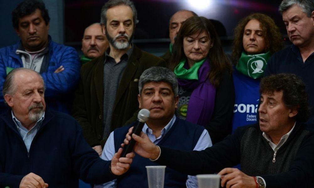 Pablo Moyano de Camioneros con lasdos CTA, de Hugo Yasky y Pablo Michelli, y los docentes de CTERA protagonistas del paro de hoy.