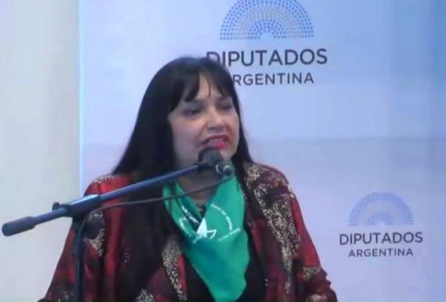 """""""Quienes legislan deben analizar la realidad, legislar por sobre sus creencias religiosas"""", dijo la abogada Mónica Menini."""