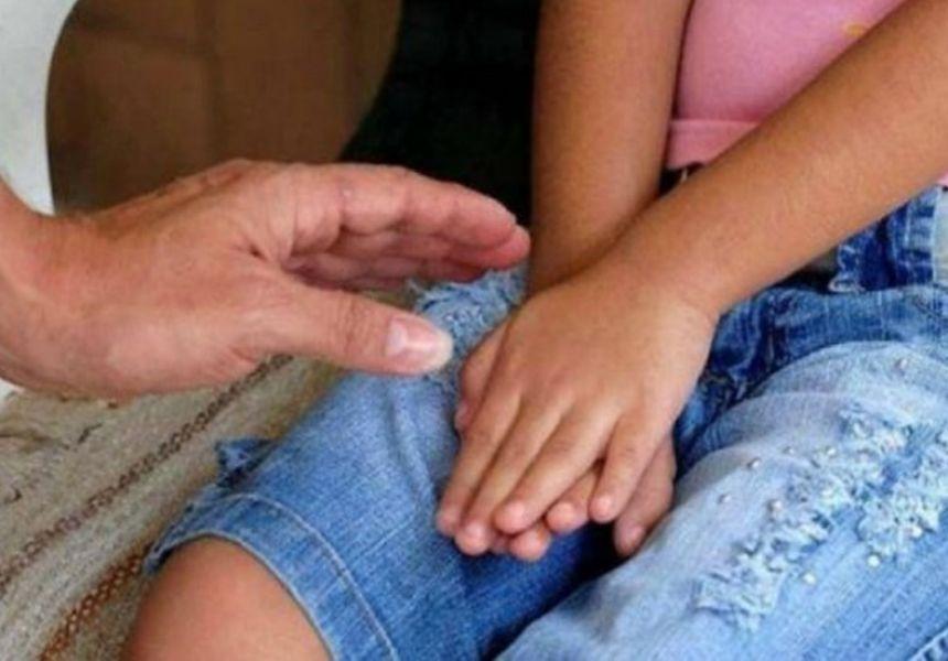 Un vecino amigo de la familia abuso de una menor de 12 años, quedó embarazada y luego hizo practicar un aborto.