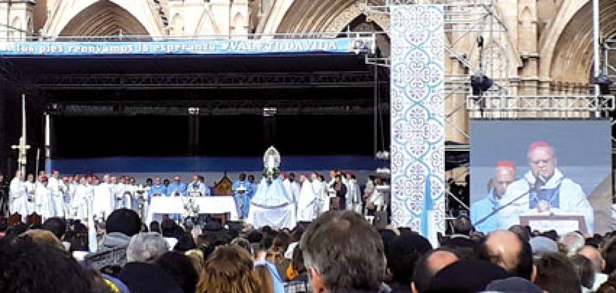 "Ayer en distintas iglesias del país se celebró la denominada ""Misa por la Vida""."